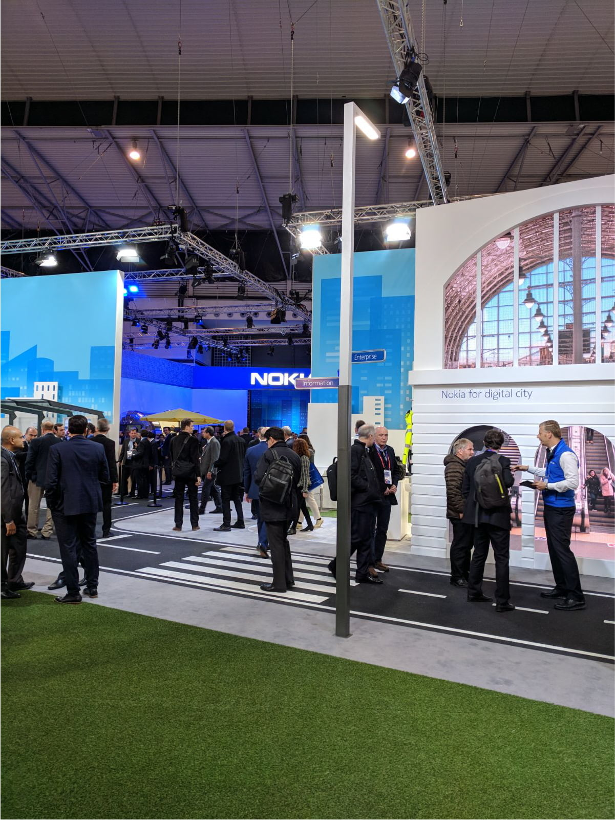 inteliLIGHT streetlight control solution during Mobile World Congress 2018_Nokia